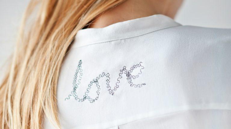 DIY tekst op kledingstuk