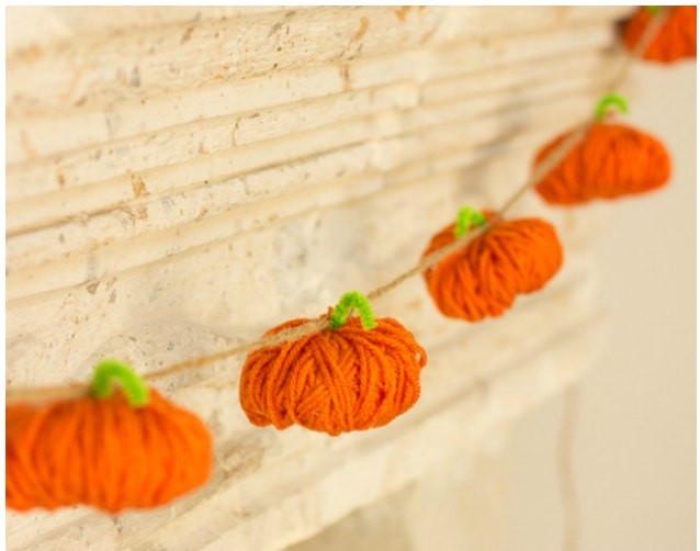simple-yarn-pumpkin-garland-craft