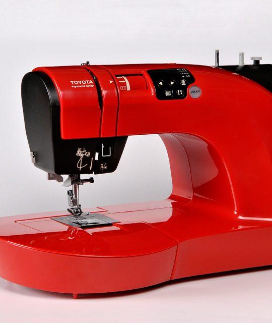 TOYOTA OEKAKI50 naaimachine rood