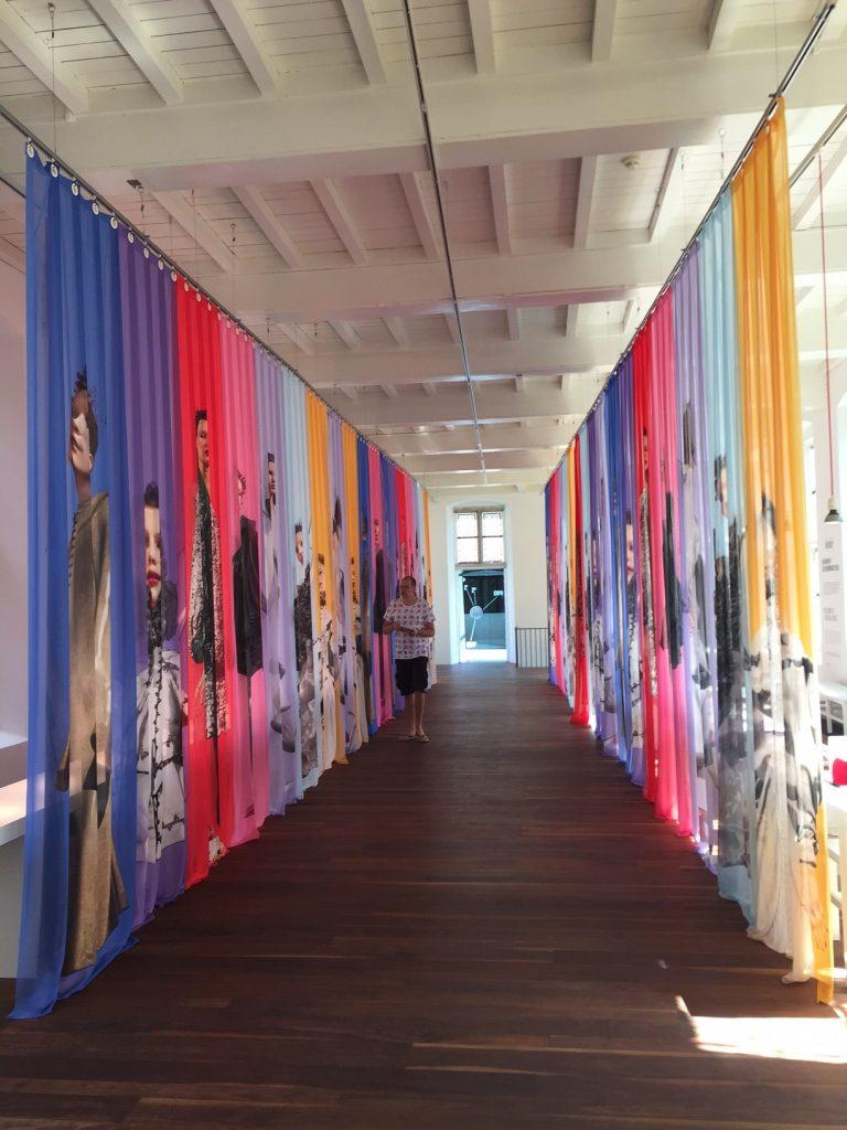 Geliefde Een bezoek aan 'Uit de mode' - Centraal Museum Utrecht   Knipmode @DL41
