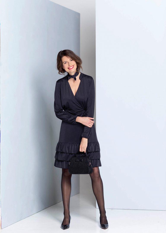 Pointillisme dessin van het merk Marvic in een jurk